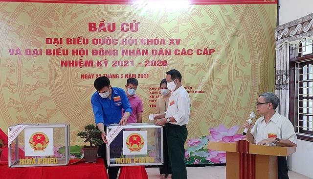 Thanh niên Thủ đô hăng hái ra quân hỗ trợ các điểm bầu cử - 7