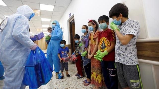 Trẻ em mắc Covid-19 tăng vọt, Ấn Độ cấp tập ứng phó làn sóng bùng dịch mới - 1
