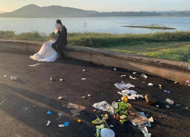 Nhiều người ý thức kém, nữ sinh 17 tuổi kêu gọi nhặt rác ở hồ Ea Kao - 2