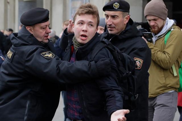 G7 ra tối hậu thư cho Belarus sau vụ bắt giữ chấn động - 1