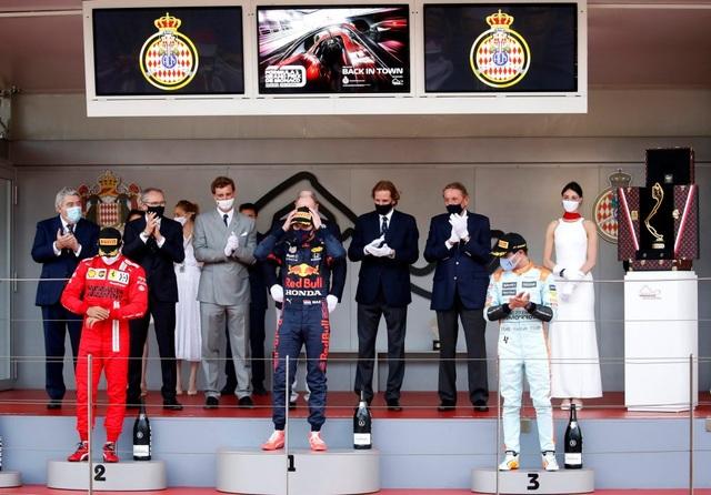 Sao đổi ngôi trên đường đua Monaco, nhà vô địch thua trắng - 13