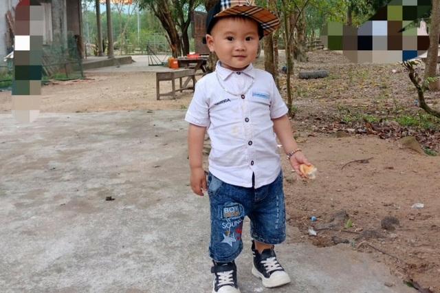 Đau nhói lòng cảnh cậu bé 2 tuổi bị bỏng xăng nặng do chơi trò sinh nhật - 7