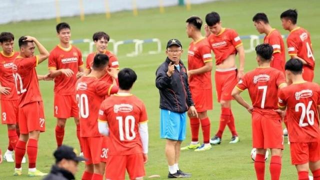 HLV Park Hang Seo gấp rút khắc phục nhược điểm cho đội tuyển Việt Nam - 1