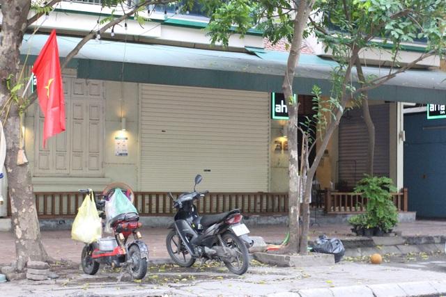 Quán cà phê đặt biển chỉ bán mang về, đóng cửa phòng dịch Covid-19 - 2