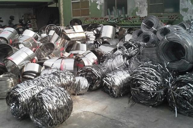 Quang Tuấn - địa chỉ thu mua phế liệu sắt thép giá cao tại TPHCM - 3