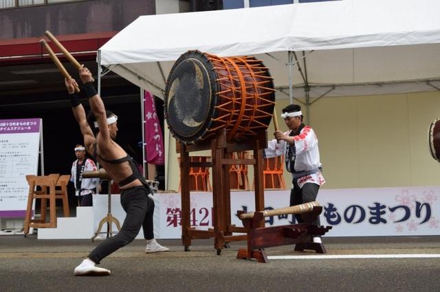 Về thủ phủ ngành dệt truyền thống hòa mình vào lễ hội kimono đầy màu sắc - 6