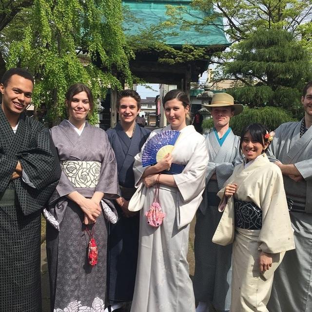 Về thủ phủ ngành dệt truyền thống hòa mình vào lễ hội kimono đầy màu sắc - 7