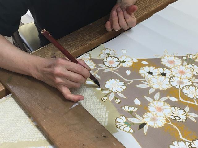 Về thủ phủ ngành dệt truyền thống hòa mình vào lễ hội kimono đầy màu sắc - 3