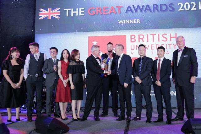 BUV nhận giải thưởng của BritCham cho những đóng góp với giáo dục bậc cao - 1