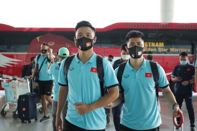 Đội tuyển Việt Nam lên đường sang UAE dự vòng loại World Cup - 4