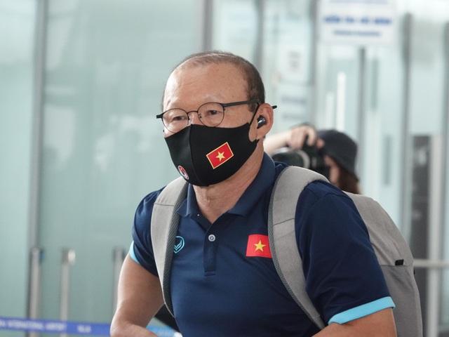 Đội tuyển Việt Nam lên đường sang UAE dự vòng loại World Cup - 6