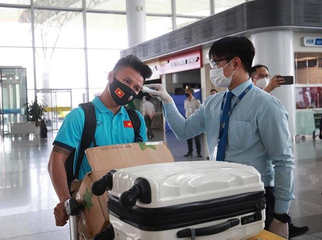 Đội tuyển Việt Nam lên đường sang UAE dự vòng loại World Cup - 8