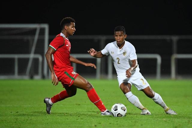 Thái Lan để thua Oman trong trận đấu khởi động cho vòng loại World Cup - 2
