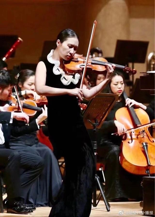 Nữ nghệ sĩ violin trẻ tài năng của Trung Quốc nhảy lầu tự vẫn - 1