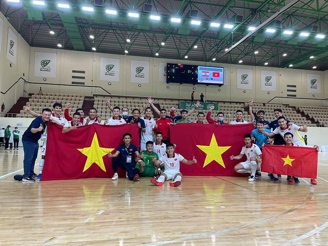Vào World Cup, đội tuyển futsal Việt Nam nhận thưởng nóng 1 tỷ đồng - 1