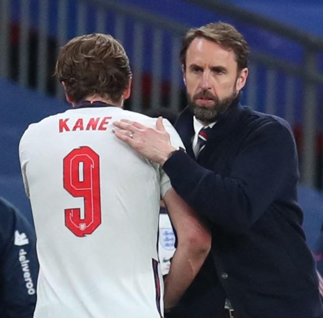 Đội tuyển Anh cấm cửa vợ và bạn gái của các cầu thủ tại Euro 2020 - 2