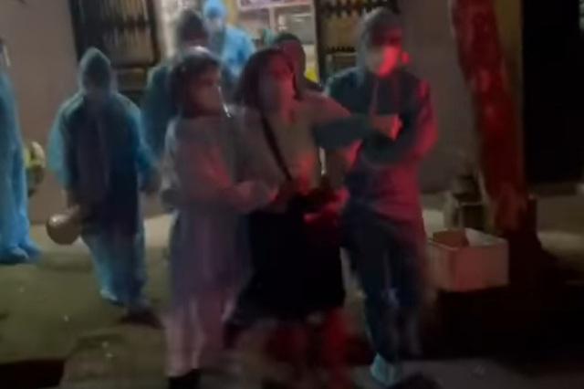 F1 chống đối đi cách ly ở Bắc Giang: Cố thủ trong nhà để... cầu nguyện? - 2