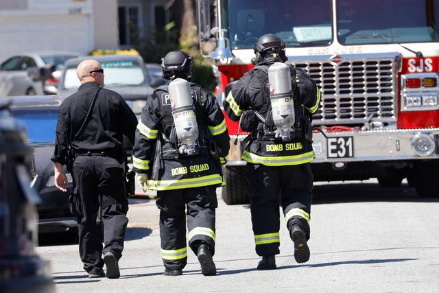 Mỹ: 9 người chết trong vụ xả súng rúng động California - 2