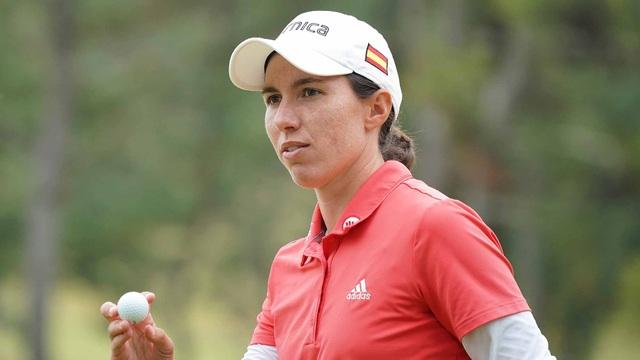 Nữ golf thủ bị xử thua vì sự cố hy hữu - 1