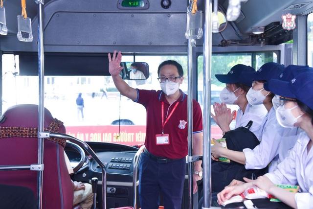 Hàng trăm sinh viên trường Y xuất quân chi viện tới Bắc Giang, Bắc Ninh - 1