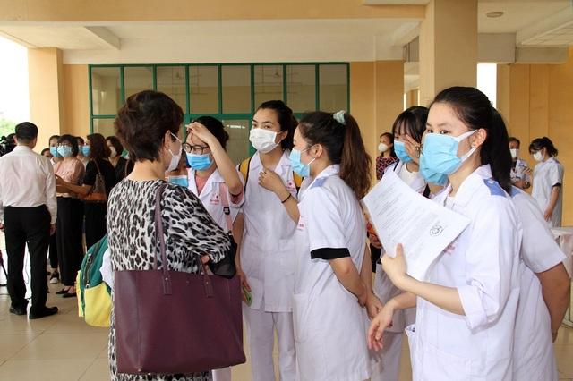Hàng trăm sinh viên trường Y xuất quân chi viện tới Bắc Giang, Bắc Ninh - 8