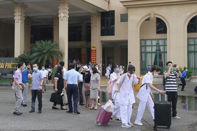 Hàng trăm sinh viên trường Y xuất quân chi viện tới Bắc Giang, Bắc Ninh - 9