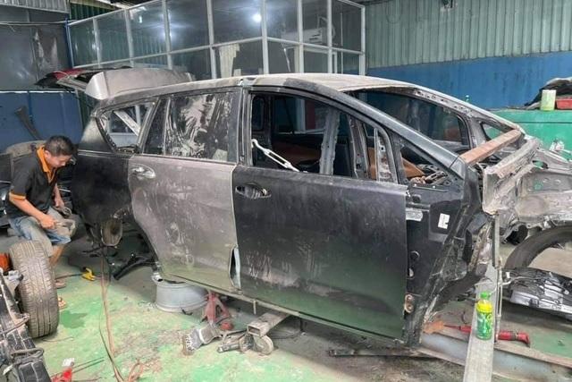 Hình ảnh xe Toyota Innova nát tươm được hồi phục như mới gây ngỡ ngàng - 5