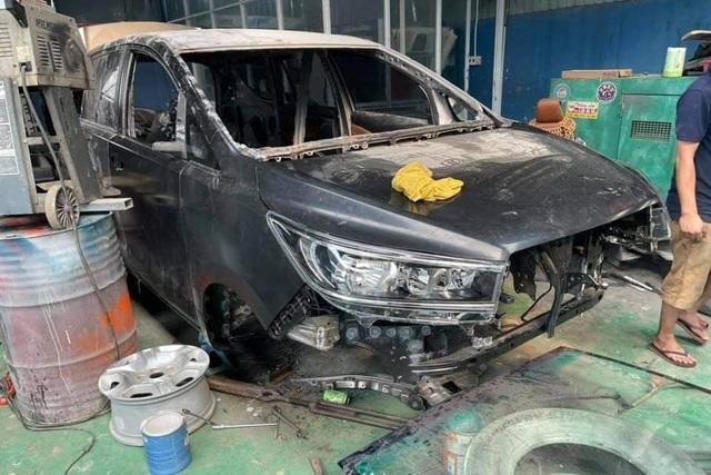 Hình ảnh xe Toyota Innova nát tươm được hồi phục như mới gây ngỡ ngàng - 6