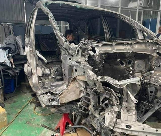 Hình ảnh xe Toyota Innova nát tươm được hồi phục như mới gây ngỡ ngàng - 4