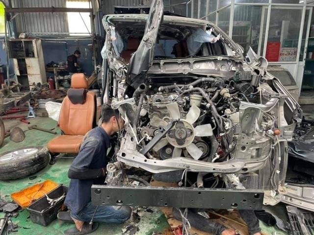 Hình ảnh xe Toyota Innova nát tươm được hồi phục như mới gây ngỡ ngàng - 3