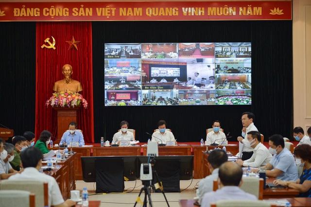 Bộ trưởng Nguyễn Kim Sơn: Không lo lắng cực đoan trong thi tốt nghiệp THPT - 1