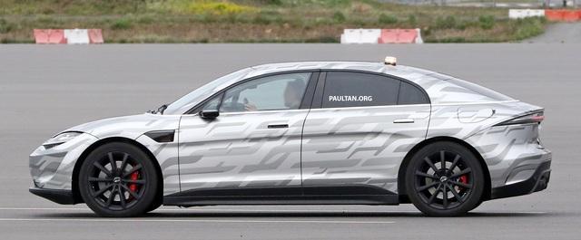 Xe điện Vision-S của Sony bắt đầu chạy thử trên đường phố - 8
