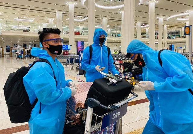 Các tuyển thủ Việt Nam nói gì sau khi đến UAE? - 5