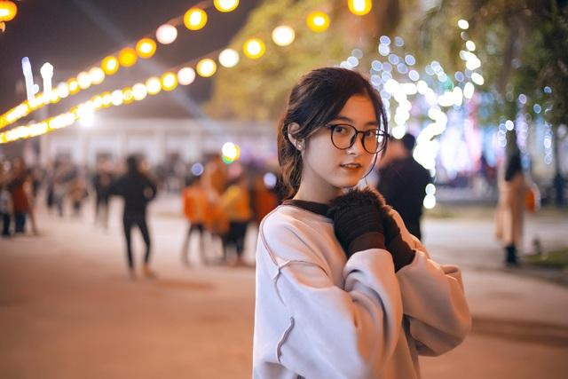 Lớp phó văn nghệ ở Hà Tĩnh gây sốt với vẻ đẹp ngọt ngào - 11