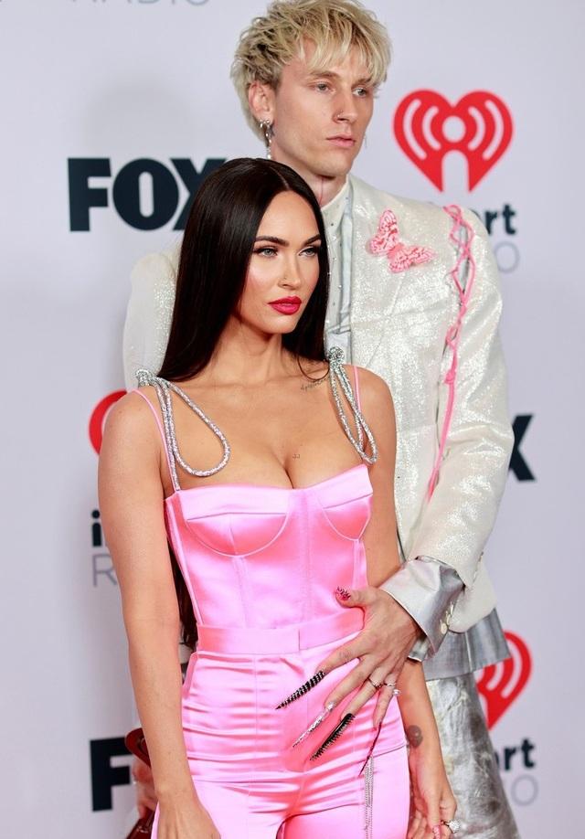 Megan Fox và Doja Cat bốc lửa dự lễ trao giải âm nhạc của Mỹ - 5
