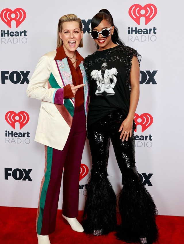 Megan Fox và Doja Cat bốc lửa dự lễ trao giải âm nhạc của Mỹ - 16