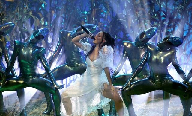 Megan Fox và Doja Cat bốc lửa dự lễ trao giải âm nhạc của Mỹ - 20