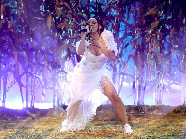 Megan Fox và Doja Cat bốc lửa dự lễ trao giải âm nhạc của Mỹ - 21
