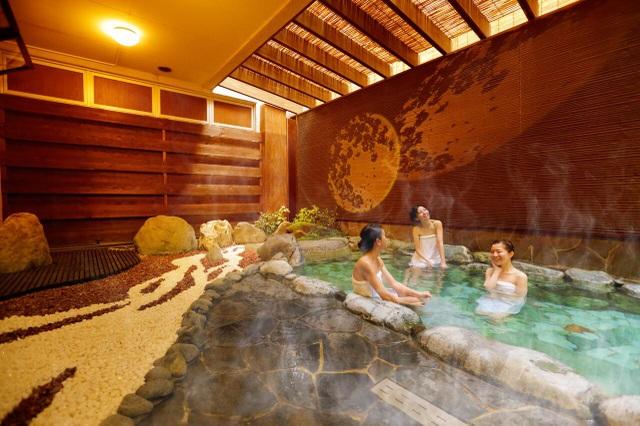 Tắm suối nước nóng vàng giữa lòng Tokyo - 4