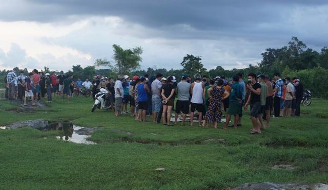 Hàng chục người tìm cách sơ cứu 2 trẻ nhỏ đuối nước nhưng bất thành - 1