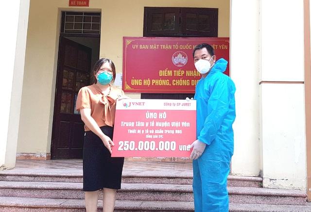 Huyện Việt Yên- Bắc Giang tiếp nhận thiết bị y tế hỗ trợ điều trị Covid-19 - 1