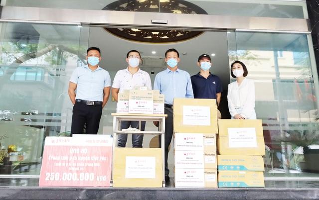 Huyện Việt Yên- Bắc Giang tiếp nhận thiết bị y tế hỗ trợ điều trị Covid-19 - 3