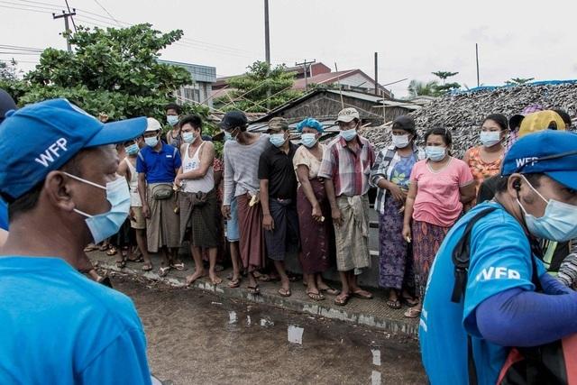 Hàng triệu người Myanmar rơi vào cảnh đói nghèo cùng cực hậu đảo chính - 1
