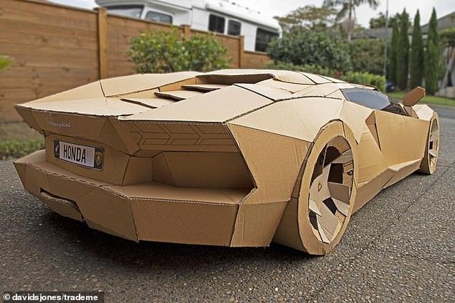 Siêu xe Lamborghini bằng bìa carton được trả gần 175 triệu đồng - 4