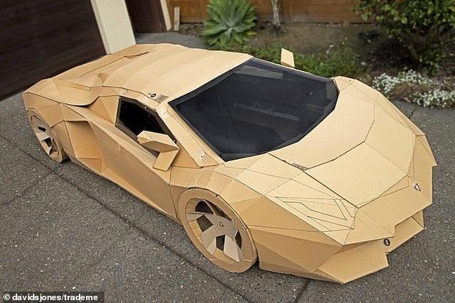 Siêu xe Lamborghini bằng bìa carton được trả gần 175 triệu đồng - 3
