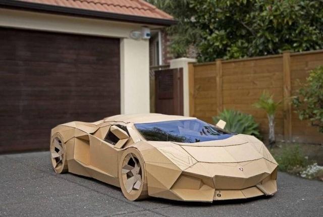 Siêu xe Lamborghini bằng bìa carton được trả gần 175 triệu đồng - 1
