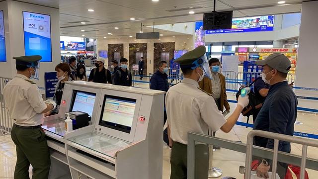 Thực hư thông tin nước sát khuẩn Covid-19 tại sân bay Nội Bài là nước lã - 2
