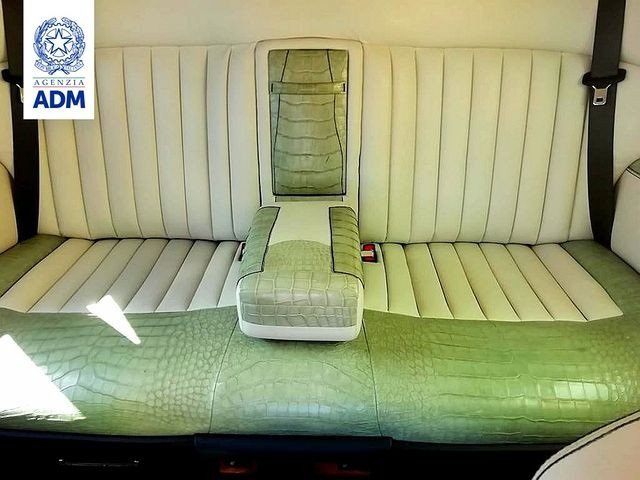 Hải quan Italia tịch thu một chiếc Rolls-Royce vì lý do bất ngờ - 3