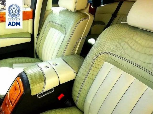 Hải quan Italia tịch thu một chiếc Rolls-Royce vì lý do bất ngờ - 2