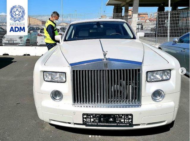 Hải quan Italia tịch thu một chiếc Rolls-Royce vì lý do bất ngờ - 1
